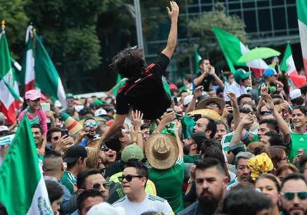 FIFA abre investigación a México por el ¡¡ehhh puuuu...!!