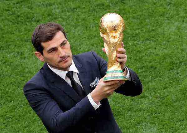 sustituyó en 1970 al Jules Rimet, que Brasil se quedó en propiedad al ser el primer equipo en ganar tres