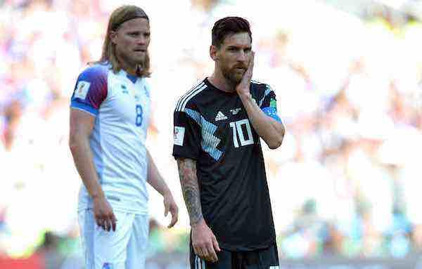 Argentina y Messi decepcionan ante Islandia
