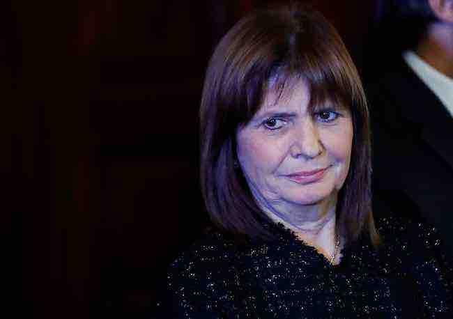Identifican a los hinchas argentinos que golpearon a los croatas y piden detenerlos