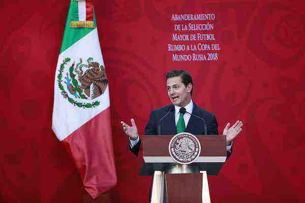 Peña Nieto celebra Mundial 2026 en México, EE.UU. y Canadá.