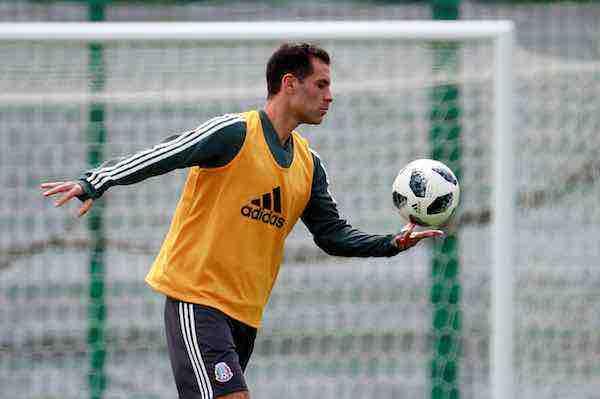 Rafa Márquez entra en el muy selecto club del 'Cinco Copas'