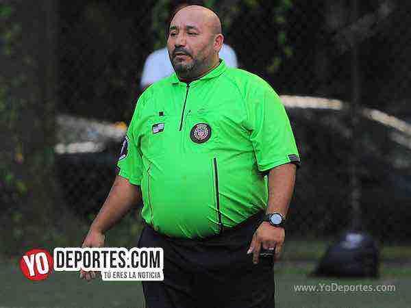 Arbitro Carlos Aragon El Conejo-Islandia-Argentina-Illinois International Soccer League-Mundialito