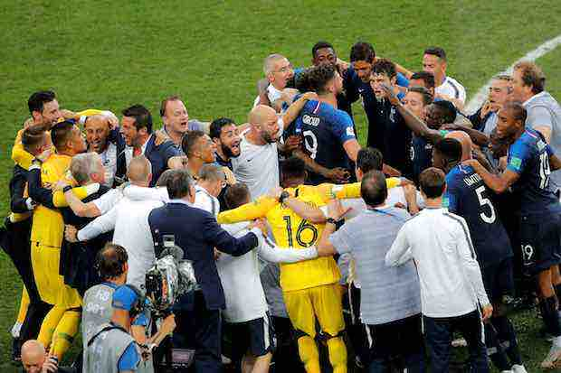 Francia se ciñe su segunda corona y empata con Uruguay y Argentina