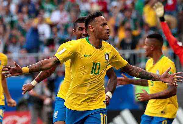 Neymar y Brasil despidieron a México de Rusia