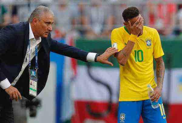 """Tite: """"Que dejen en paz a Neymar, solo tiene que jugar al fútbol"""""""