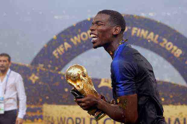 El centrocampista francés Paul Pogba se acordó de los que le criticaron