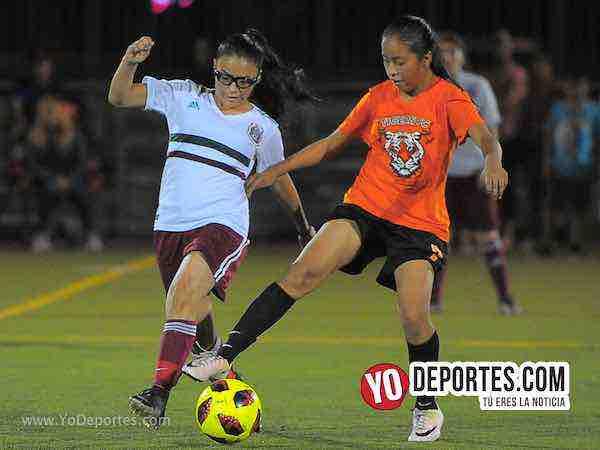 Real FC gana lluvioso partido en la Women Premier Academy Soccer League