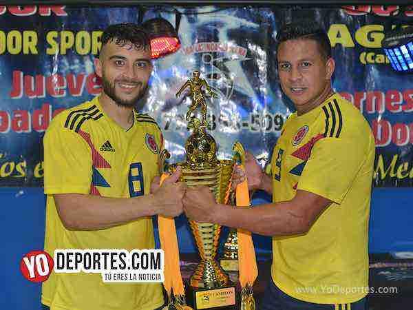 Leo Zúñiga se despide como doble campeón con los Cafeteros