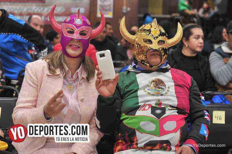 Fanaticos de Skayde en Chicago Lucha Libre Total