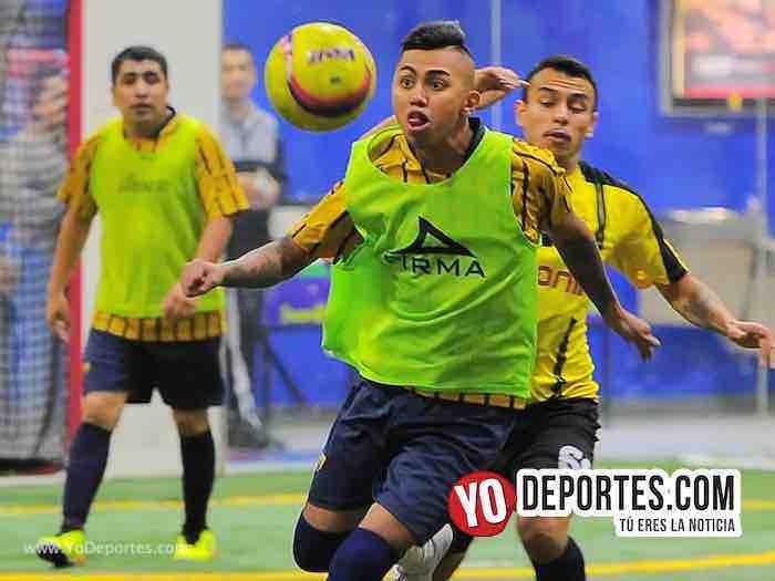 Leones Negros contra Pumas Liga 5 de Mayo Copa Independencia Chicago Indoor Soccer