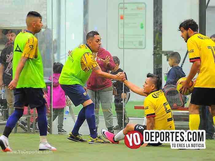 Leones Negros contra Pumas Liga 5 de Mayo Copa Independencia Soccer Chicago
