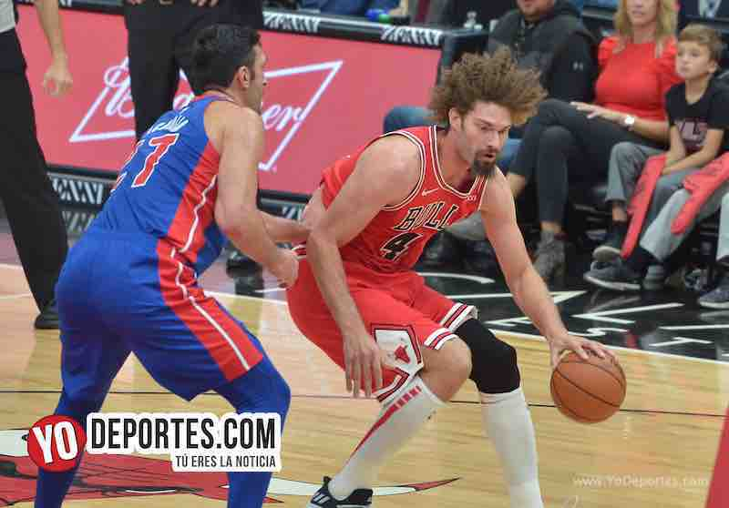 Robin Lopez-Chicago Bulls-Pistons Detroit-Opening Night United Center