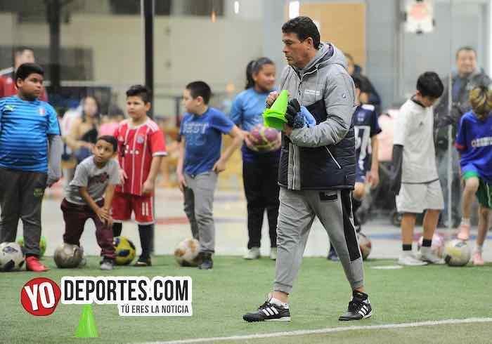 Juan Che Che Hernandez-La Academia de Futbol-escuela de la Liga Latinoamericana