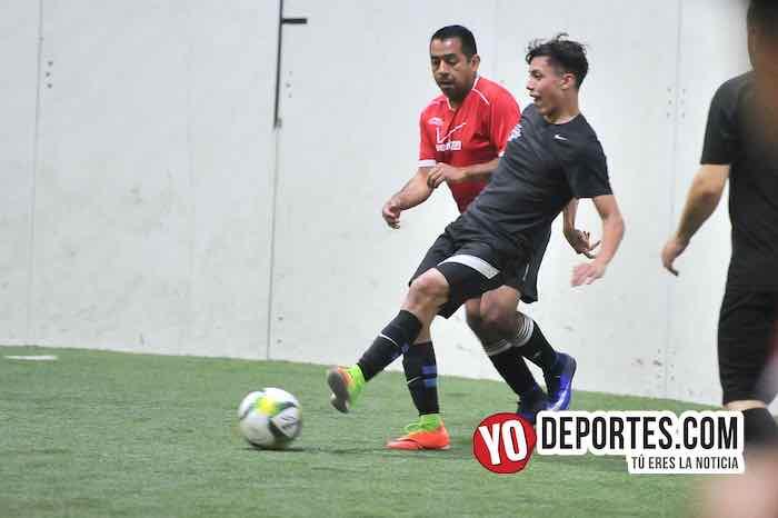 Azteca de Oro-Chicago Cougars-Liga 5 de Mayo Indoor Futbol en Chicago