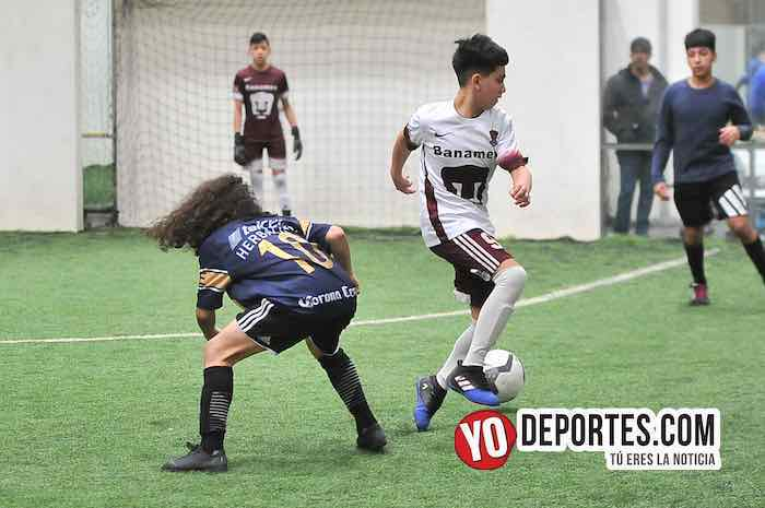 La Puerta-Pumas-Copa Gatorade Liga San Francisco Futbol Indoor Chicago