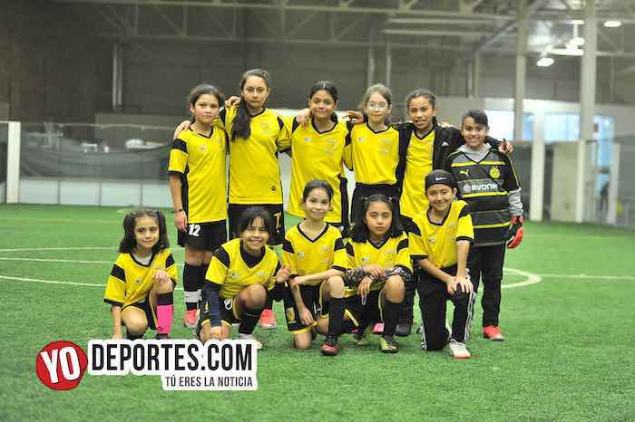 Las Matildas el único equipo de niñas en la Liga Douglas Kids y son invencibles