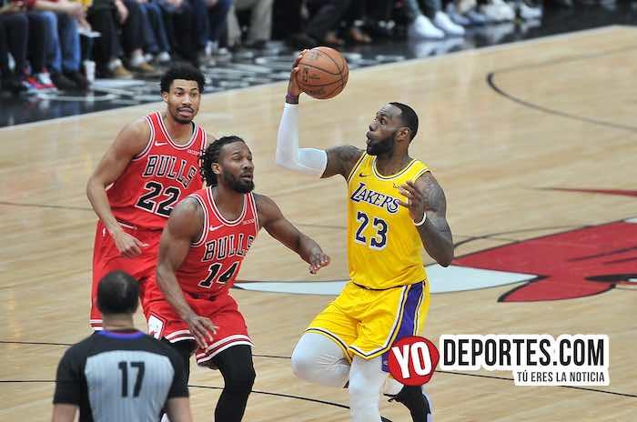 LeBron James y los Lakers acaban con los Bulls en Chicago
