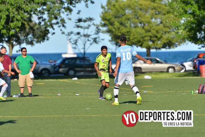 11 vs 11 este verano en el Lago y Touhy y Rockwell con la Liga Taximaroa