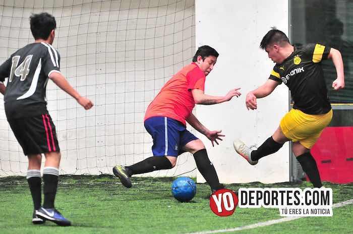 Ricardo Galván debuta como portero y dirigente con MT Towing en la Supercopa de los Martes