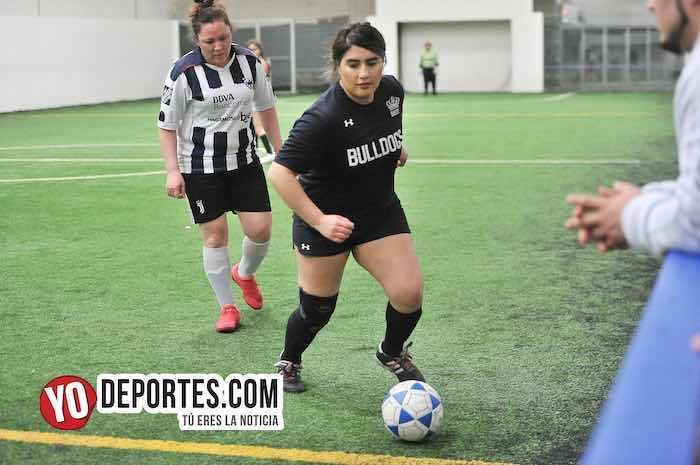 Yasminas-Las Queens-Liga Douglas Femenil mujeres futbolistas