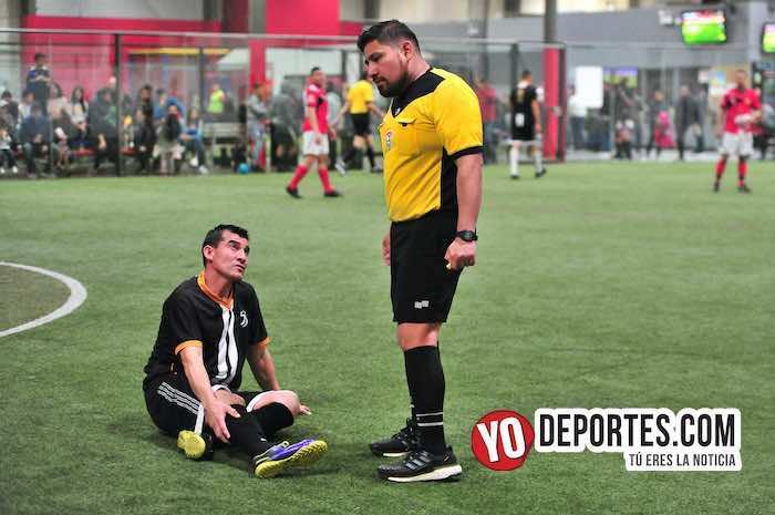 Arbitro Gio Gonzalez-Ibarra-Pirma Leon-Liga Latinoamericana-semifinal veteranos
