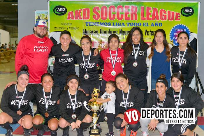 Chicago Flash cameponas futbol femenil AKD Soccer League