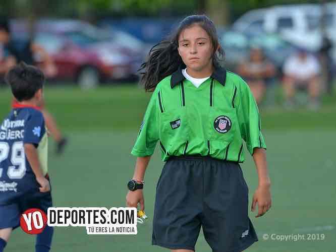 Niña árbitro Yuzim Valencia detiene juego por agresión de padres de familia