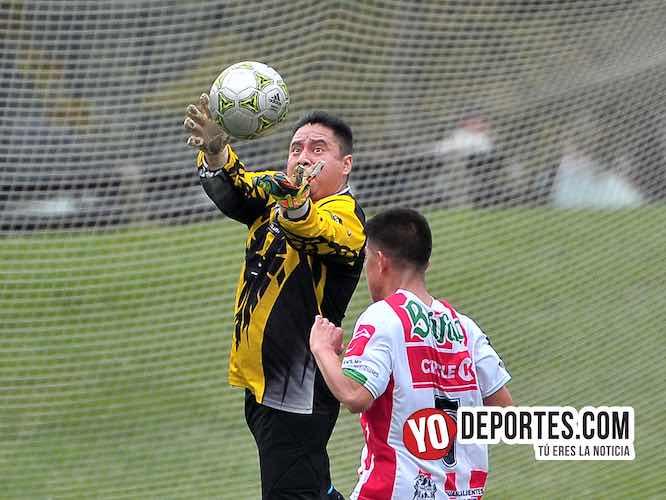 Maravatío mejor equipo que Los Aztecas en la Liga Douglas