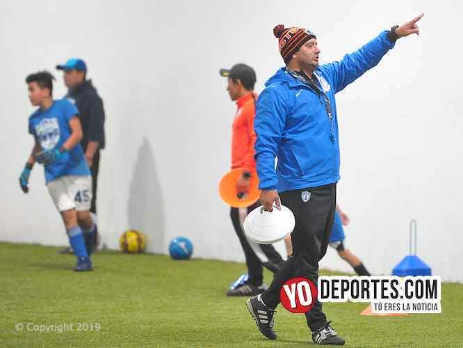Jesus Estrada entrenador de Tuzos Chicago Soccer Academy.