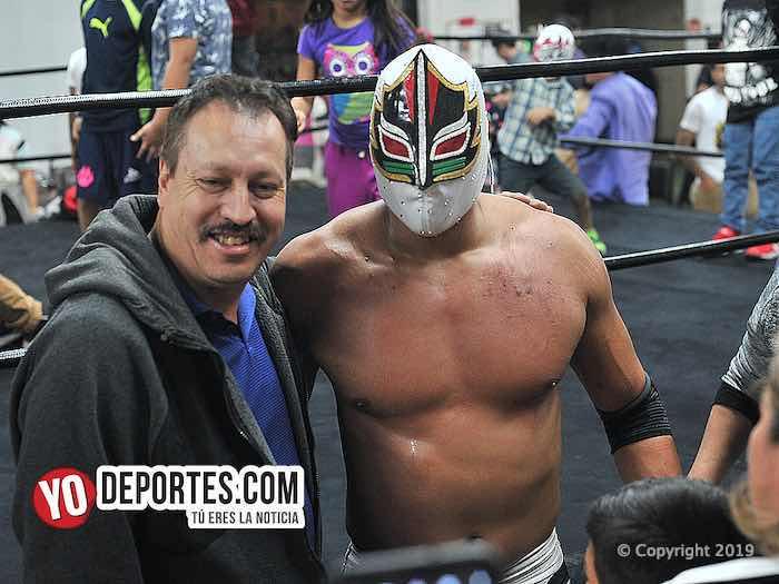 Hijo de Máscara Sagrada y Rey Tritón llenan el Eagles Club con Lucha Libre Total