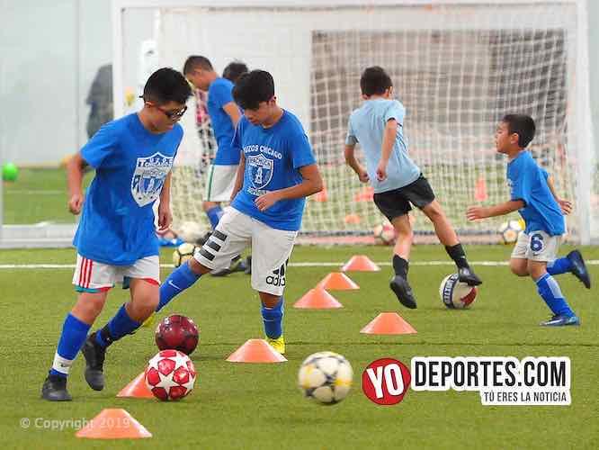 Tuzos Chicago Soccer Academy abre campamento de invierno en Melrose Park
