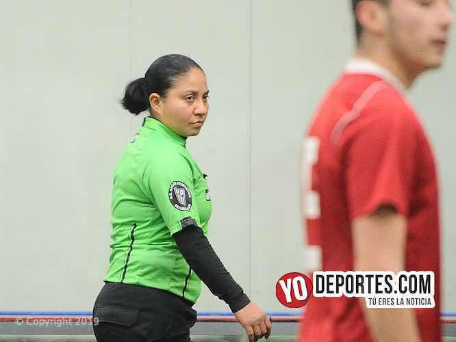 Rosalba Luna árbitro de la Liga Douglas en Chicago