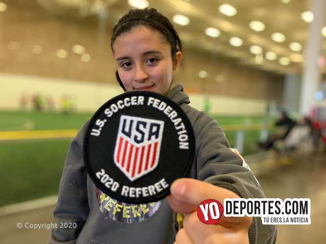 Yuzim Valencia obtiene gafete de árbitro de la Federación de Futbol de Estados Unidos