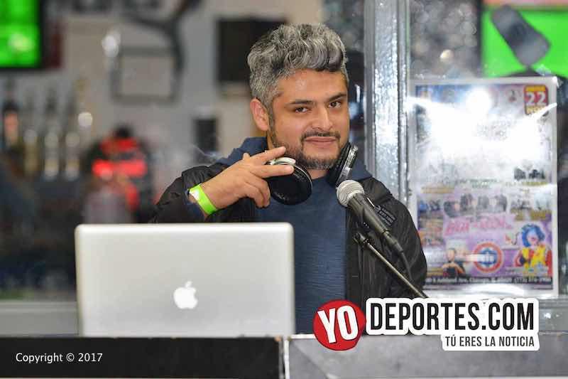 DJ Cosmo Omar González también espera el regreso del futbol a Chicago