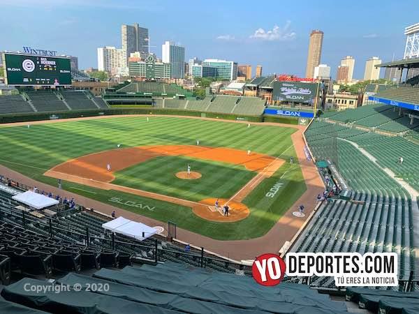 Los Cubs juegan en el Wrigley Field vacío pero con ovaciones grabadas de aficionados