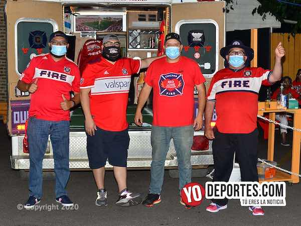 Los Red Love Supporters no se quitan y rinden apoyo total al Chicago Fire FC