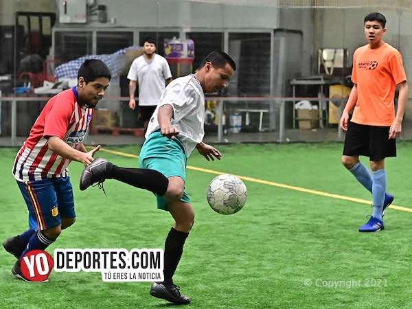 José Zavala el hijo del dueño del equipo Deportivo Zavala anota gol del gane
