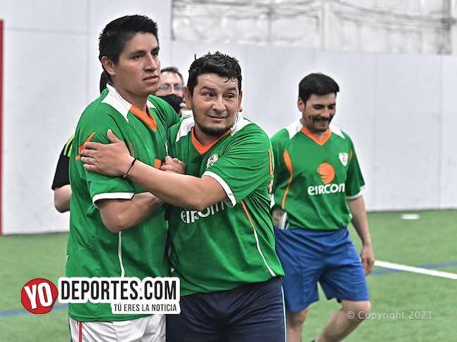 Fernando Velasquez empata partido y el portero Erick Colín es el héroe en los penales