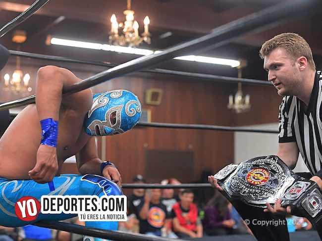 Ciclón Ramírez Jr se corona campeón de Lucha Libre Total en una tormentosa pelea