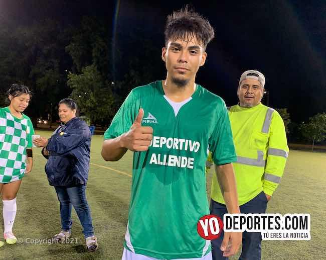 Ricardo Silva de Universal 48 hunde al Honduras con tres goles en AKD